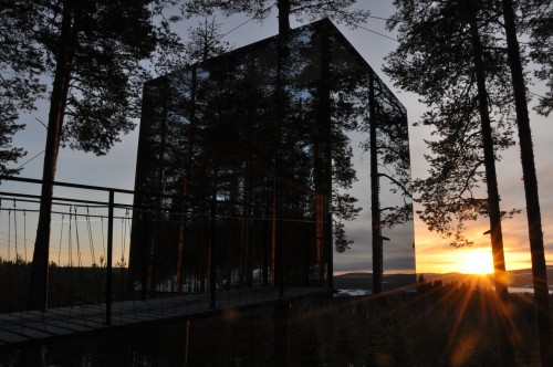 The mirror cube in sweden